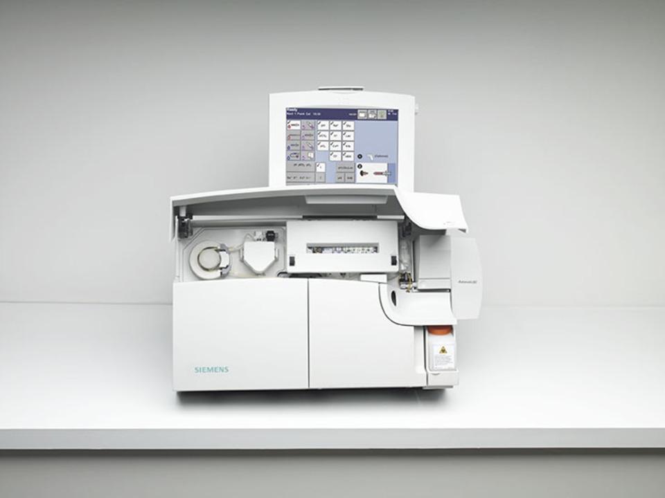 Máy xét nghiệm khí máu và điện giải RapidLab 1200