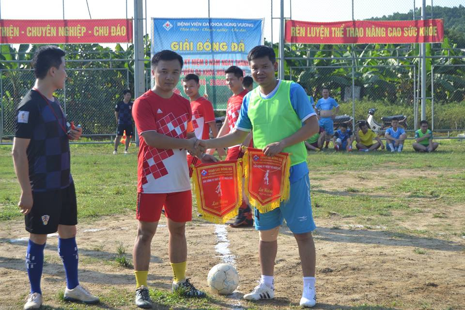 Giao hữu bóng đá giữa Hội thiết bị y tế và Bệnh viện